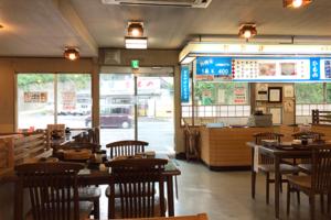 国道135沿いの浜料理の店
